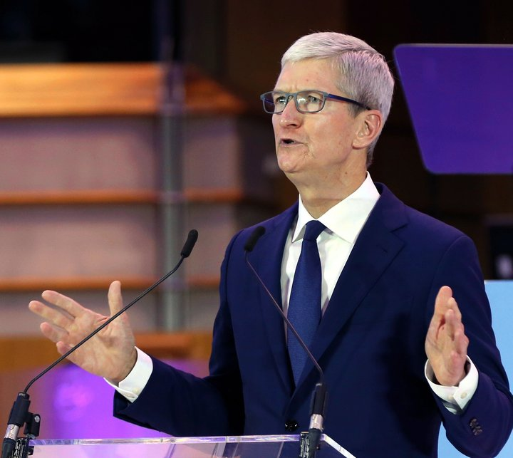Tim Cook, chief executive of Apple, addressingthe International Conference of Data Protection and Privacy Commissioners
