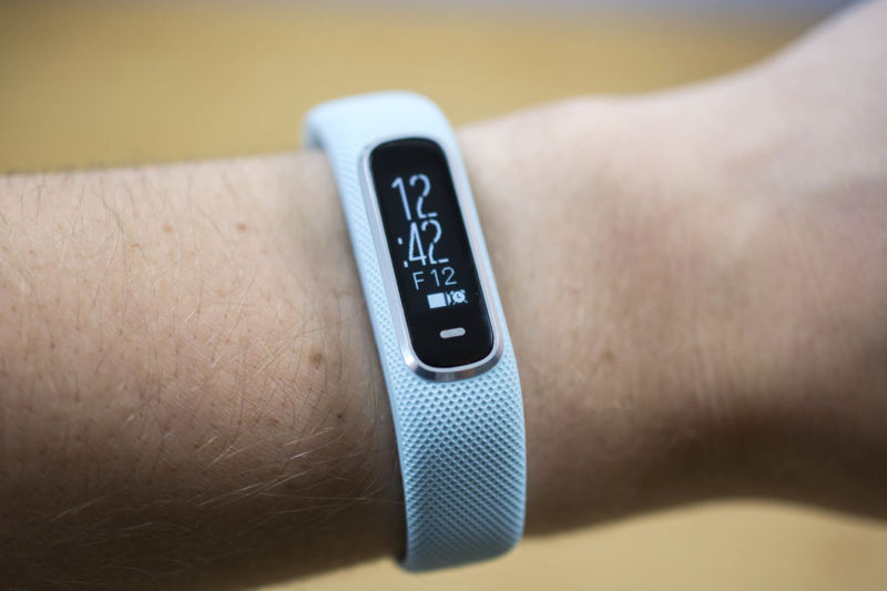 Garmin Vivosmart 4 review: An affordable band for easy fitness, SpO2 data