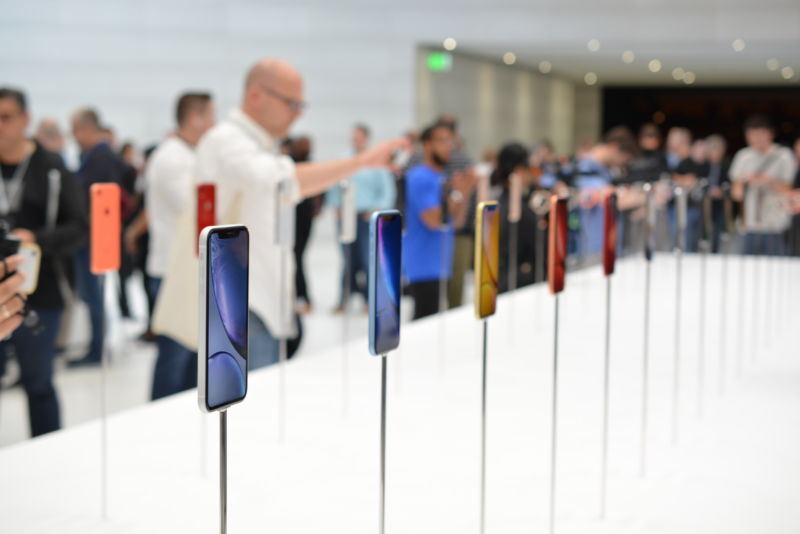 The iPhone Xs in its myriad colors.