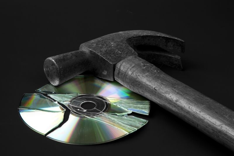 Microsoft needs to give customers a better deal to convince them to give up discs for good.