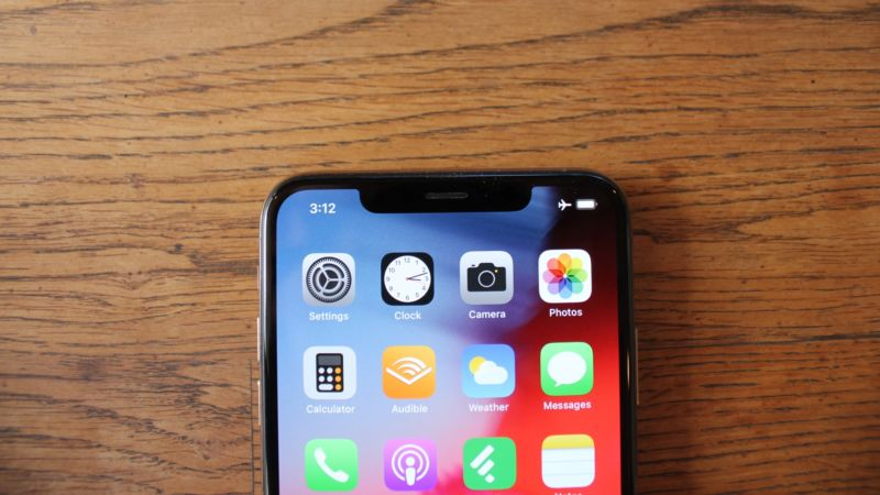 Front of an iPhone XS Max