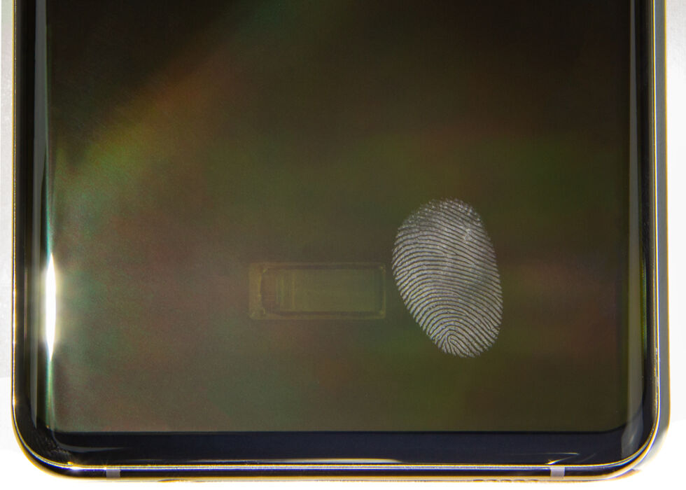 Qualcomm's first-gen sensor in the Galaxy S10, next to a fingerprint. The S20 had the same sensor.
